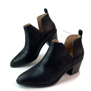 Journee Collection Footwear Lola Black Ankle Boot
